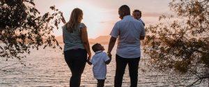 Glad familie som har lånt penger via axo finans